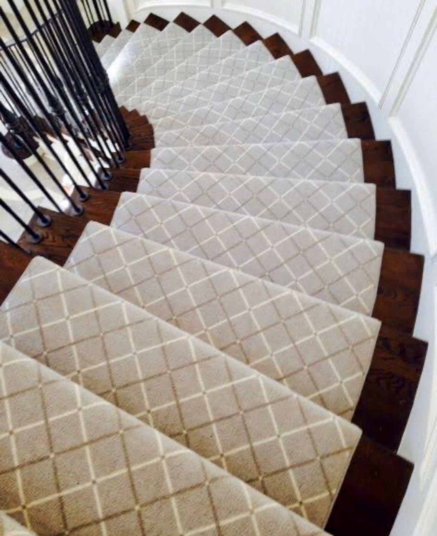 Definitive Edge Odd Shape Spiral Staircase 50MM Binding
